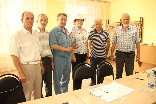 Мы в библиотеке №17 «Содружество» города Ульяновска (слева направо): А.А. Мордовкин, Н.А. Казаков, Н.Н. Кирюшин, Р.С. Альтина, С.Г. Отрыванов, Е.Е. Ерагин.